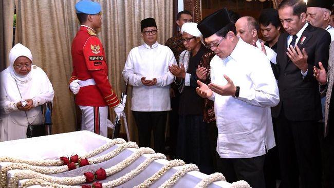 Imam Besar Masjid Istiqlal Pimpin Salat Jenazah Habibie