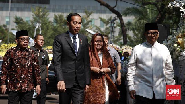 Jokowi Melayat ke Rumah Duka BJ Habibie