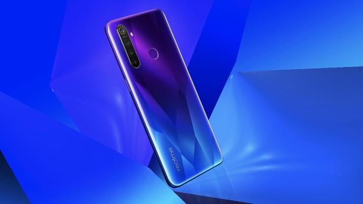 Ponsel yang berasal dari China, Realme, naik ke posisi empat dalam daftar Top 5 Smartphone Brand di Indonesia