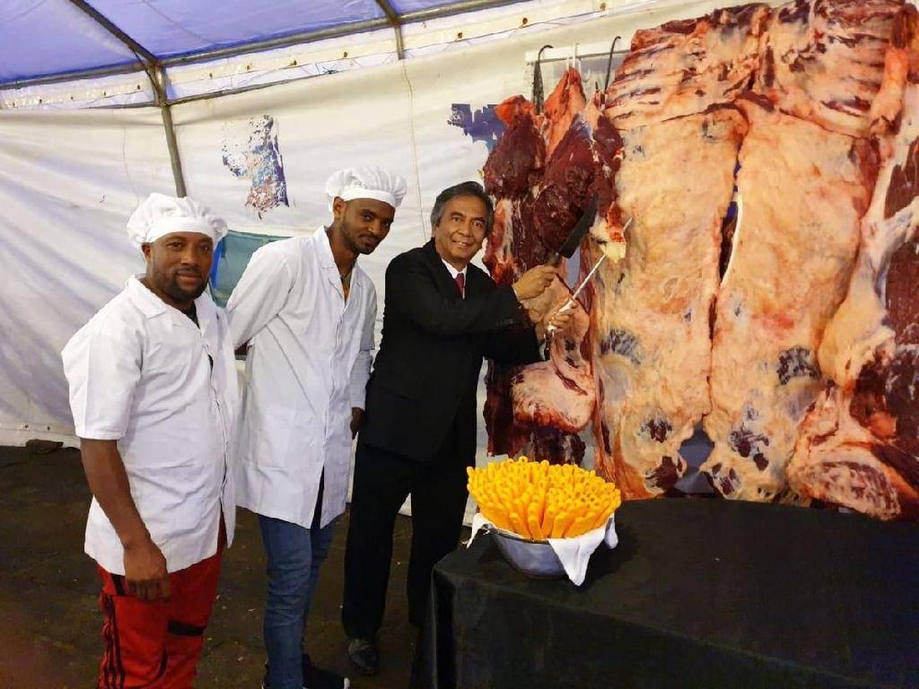Berkaitan dengan acara menyambut tahun baru Ethiopia ini, Duta Besar Al Busyra Basnur menyampaikan ucapan selamat tahun baru 2012 kepada pejabat pemerintah dan masyarakat Ethiopia melalui pesan tertulis dan sosial media. Istimewa/Dok. KBRI Addis Ababa.