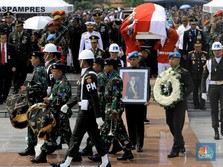 Detik-detik Jenazah BJ Habibie Dikebumikan di TMP Kalibata