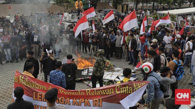 Kronologi Demo Berujung Ricuh di Depan Gedung KPK