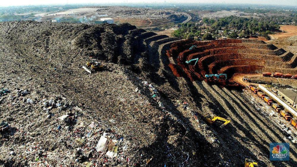 Setiap hari, jumlah volume sampah yang masuk ke TPST Bantargebang 6.500-7.000 ton dari Provinsi DKI Jakarta.