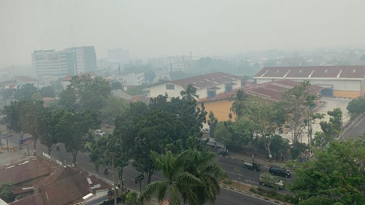 Kualitas udara di Pekan Baru, Riau dinyatakan berbahaya, berdasarkan pemantauan dari Badan Meteorologi dan Klimatologi dan Geofisika (BMKG).