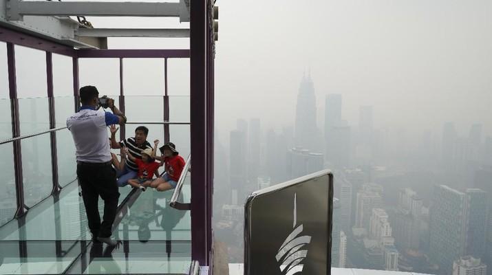 Asap kebakaran hutan sampai Malaysia