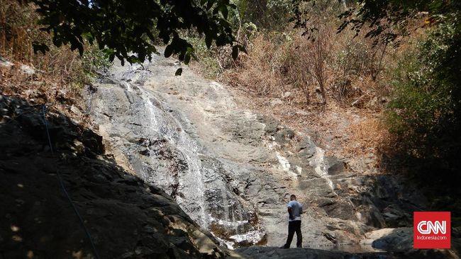 Mencari Keberadaan Air Terjun di Karawang Selatan