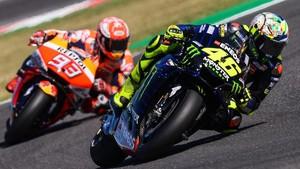 Rossi <i>Wheelie</i> Usai Ribut dengan Marquez