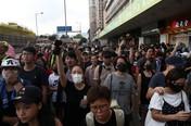 Massa Pro Demokrasi Hong Kong & Pro China Bentrok di Mal