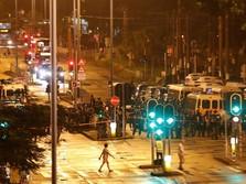 Hong Kong Masih Membara, Demonstrasi Berakhir Bentrok di Mall