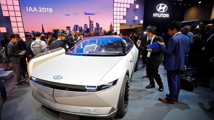 Luhut Sebut Investasi US$ 1 M, Hyundai: Belum Ada Keputusan
