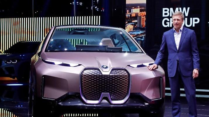 Pembuat mobil Jerman BMW akan memesan lebih dari 10 miliar euro (US$ 11,07 miliar/Rp 156 triliun) sel baterai dari pembuat asal China