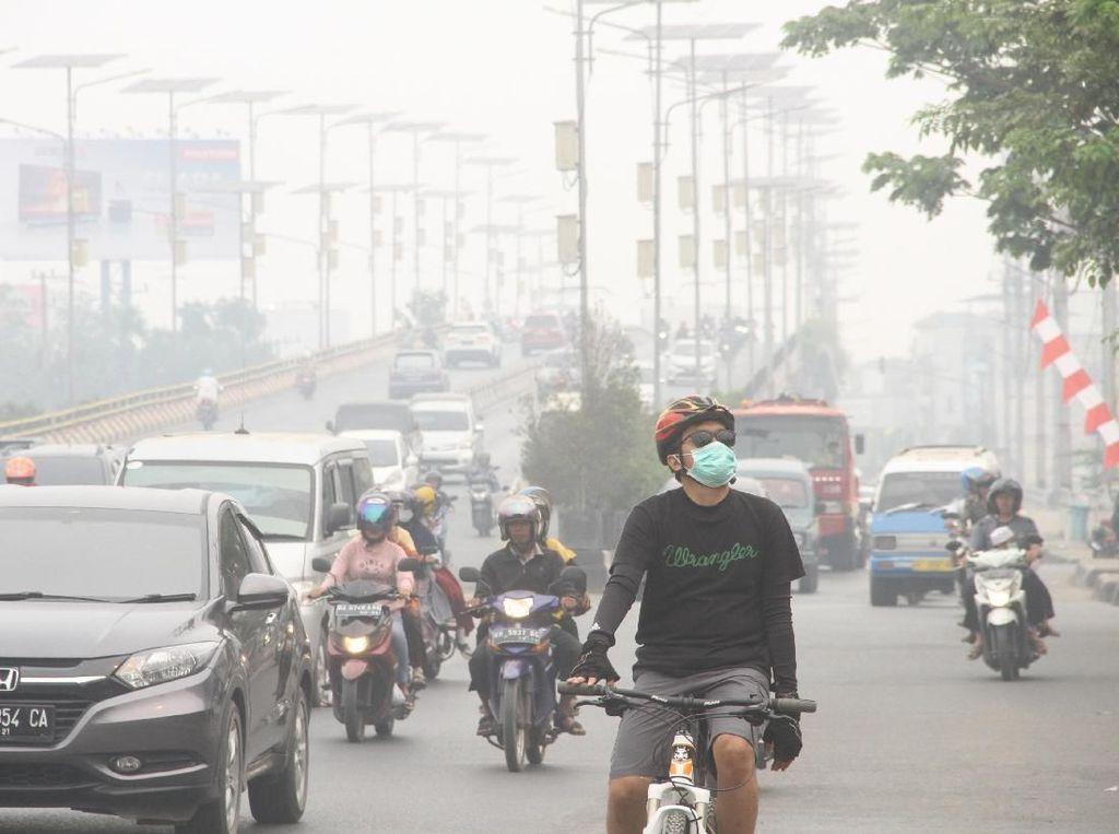 Pemerintah Tanggung Biaya Pengobatan Warga Terdampak Asap Karhutla