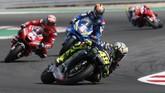 Valentino Rossi gagal meraih podium dan harus puas berada di posisi keempat. (AP Photo/Antonio Calanni)