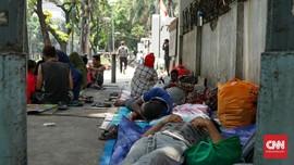 Pencari Suaka, Terusir Lalu 'Menggelandang' di Kebon Sirih