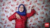 Budi 'Vera' Herawati, anggota Srimulat Surabaya sejak 1977. Ia dulu kerap diminta bermain sebagai hostes alias pramuria oleh Teguh Slamet. Kini, peran itu sudah ditinggalkan. (CNN Indonesia/Safir Makki)