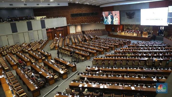 Rapat Paripurna Dewan Perwakilan Rakyat (DPR) menyetujui Revisi Undang-Undang Nomor 30 Tahun 2002 tentang KPK.