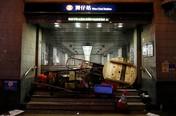 Bom Api Ramaikan Bentrok Aktivis dan Polisi Hong Kong