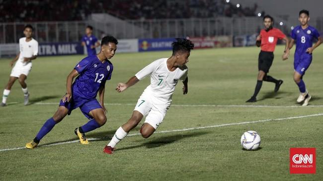 Dengan kemenangan atas Filipina, Timnas Indonesia U-16 berada di peringkat kedua klasemen Grup G di bawah China. (CNNIndonesia/Safir Makki)