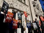Warga Inggris Demo Tuntut Pembekuan Parlemen Boris Johnson