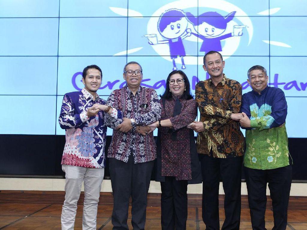 Program tersebut digelar untuk meningkatkan pengetahuan serta perilaku gizi dan kesehatan yang baik di antara anak-anak Indonesia melalui pendidikan gizi serta bimbingan teknis bagi guru-guru Sekolah Dasar. Istimewa/FFI.