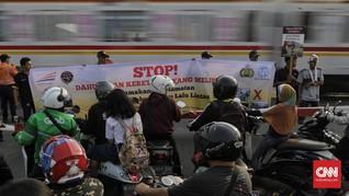 Polisi Bakal Tindak Tegas Penerobos Palang Kereta Manggarai