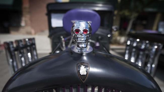 Plymouth PA buatan 1931 bukti bahwa masyarakat California menghormati mobil-mobil klasik. (Photo by Mark RALSTON / AFP)