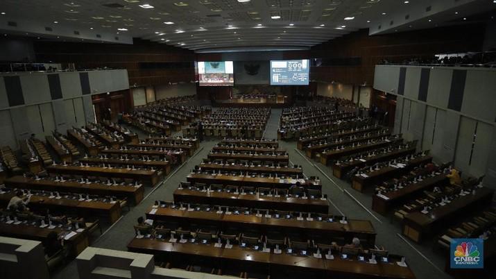 Jokowi Minta Pengesahan RUU KUHP Ditunda, DPR Mau Gak?