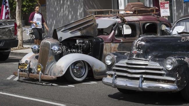 Masyarakat yang ingin menampilkan mobilnya di acara ini dikenakan biaya mulai US$30 atau sekitar Rp422 ribu. (Photo by Mark RALSTON / AFP)