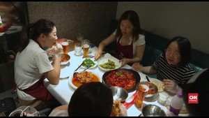 VIDEO: Warga China 'Kecanduan' Makan Garam