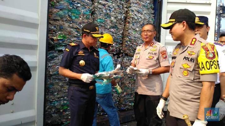 Dirjen Bea Cukai Heru Pambudi mengatakan 135 sampah itu merupakan hasil penindakan