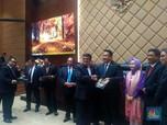 3 Menteri Pamit di DPR, Basuki Main Pantun