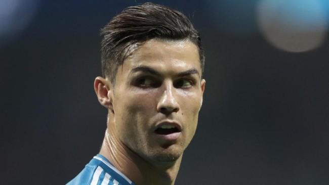 Cristiano Ronaldo masih masuk dalam daftar Best XI. Namun Ronaldo tak hadir dalam acara penghargaan tersebut.(AP Photo/Bernat Armangue)