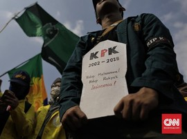 Demo Mahasiswa Bandung Suarakan 'Sakaratul Maut Demokrasi'