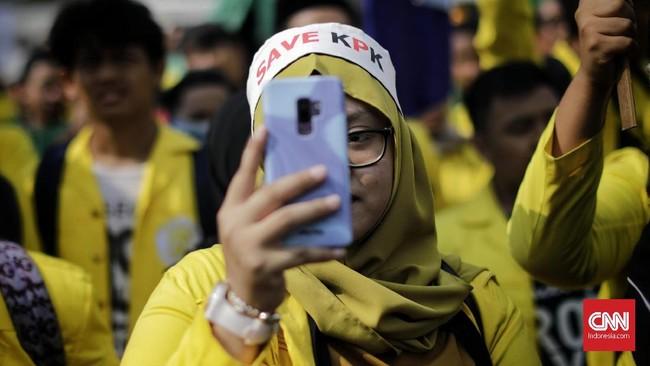 Para mahasiswa juga menyatakan mosi tidak percaya terhadap DPR dan pemerintah.(CNN Indonesia/Adhi Wicaksono)