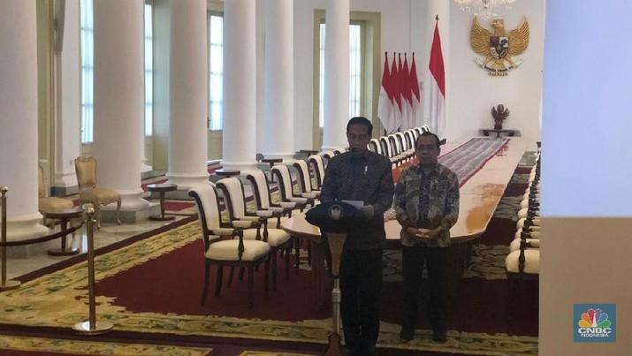 Presiden Joko Widodo memberikan keterangan pers terkait pembahasan RUU KUHP di Istana Bogor, Jawa Barat, Jumat (20/9/2019).