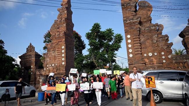 Aksi protes global perubahan iklim di New York ini merupakan bagian dari gerakan Global Climate Strike yang diselenggarakan selama 20-27 September mendatang di seluruh dunia. (Photo by SONNY TUMBELAKA / AFP)