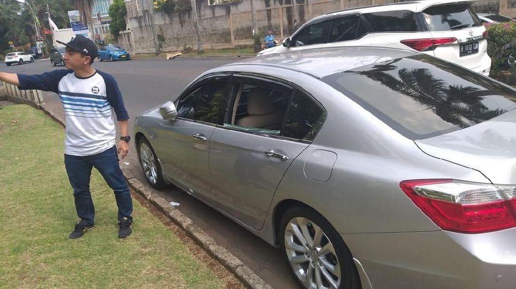 Usai Lapor Polisi soal Pencurian 'Pecah Kaca', Rico Ceper Tabrak Mobil Polisi