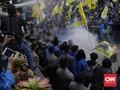 Demo Rusuh di KPK, Massa PMII Lempar Telur dan Bakar Ban