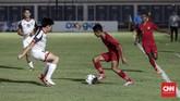 Marselino Ferdinan cukup berhasil melaksanakan tugasnya sebagai playmaker di laga ini. Tak hanya rajin menyumbang assist, gelandang serang Persebaya Surbaya itu juga mencetak satu gol ke gawang Brunei. (CNNIndonesia/Safir Makki)