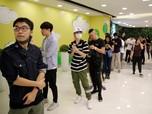 iPhone 11 Resmi Dijual, Antrean Apple Fanboy Mengular