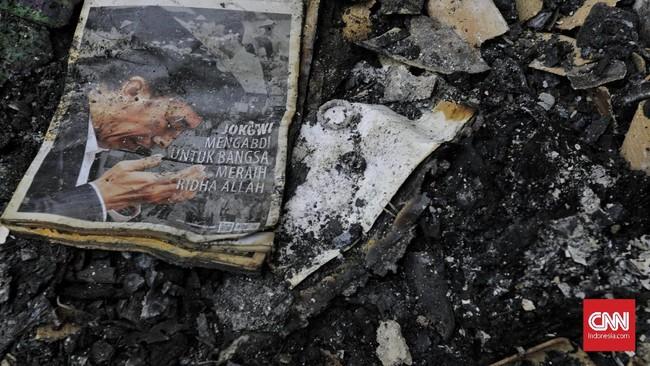 Sudin Penanggulangan Kebakaran dan Penyelamatan (PKP) Jakarta Timur menaksir kerugian akibat kebakaran itu mencapai Rp2 miliar. (CNNIndonesia/ Adhi Wicaksono)