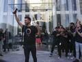 FOTO: Antusiasme Konsumen Pertama iPhone 11 di AS