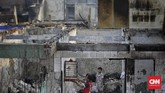 Api disebut bermuladari sebuah rumah semipermanen di JalanKemuning Bendungan RT 04 RW 01 pasar burung Jatinegara, Jakarta Timur,Sabtu (21/9) pukul 00.45 WIB.(CNNIndonesia/ Adhi Wicaksono)