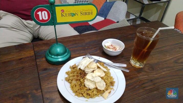 Nasi Goreng kebon sirih sangat legendaris dan bisa raup Rp 24 juta sehari, ini kisah suksesnya