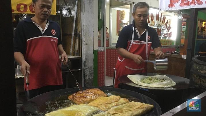DKI Jakarta banyak berdiri gerai kuliner legendaris seperti martabak.