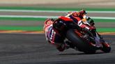 Marc Marquez merebut pole MotoGP Aragon 2019 dengan catatan waktu 1 menit 47,009 detik. (JOSE JORDAN / AFP)