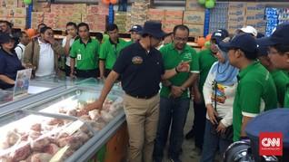 Anies Buka Toko Kelontong JakGrosir di Kepulauan Seribu