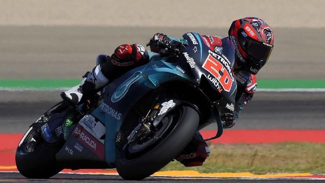 Pebalap Petronas Yamaha Fabio Quartararo akan start dari posisi kedua setelah terpaut 0,327 detik dari Marc Marquez. (JOSE JORDAN / AFP)