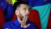 Kapten Barcelona, Lionel Messi, kembali bermain dari bangku cadangan saat melawan Granada pada pekan kelima Liga Spanyol. La Pulga bermain selama 45 menit saat Blaugrana takluk 0-2 dari tim promosi tersebut. (AP Photo/Miguel Morenatti)