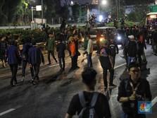 Demo Makin Ricuh, Mahasiswa Jebol Pagar DPR!